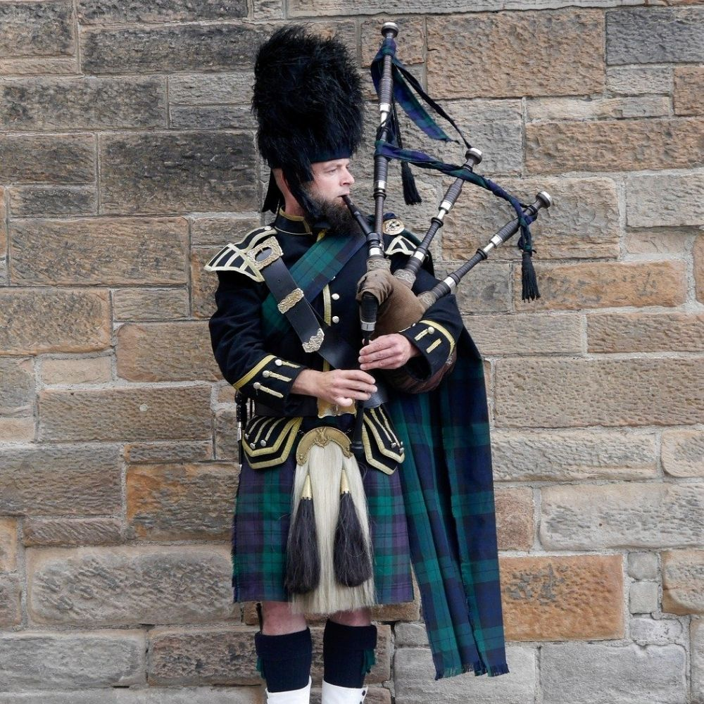 Bagpipe player in Edinburgh