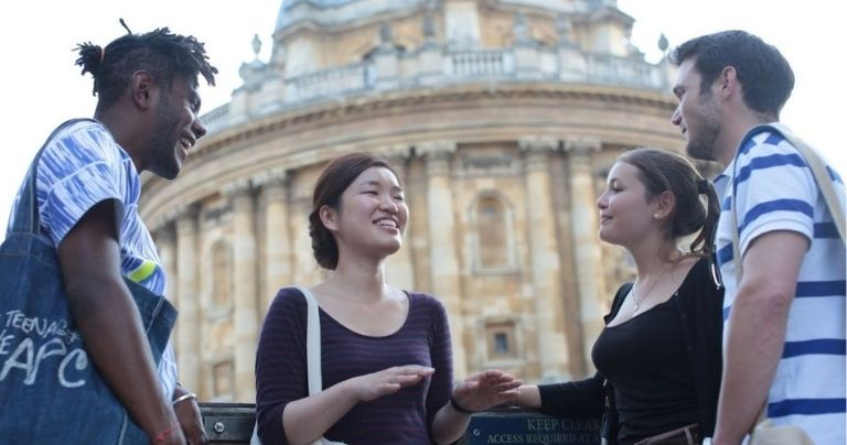 International students learn English in Oxford