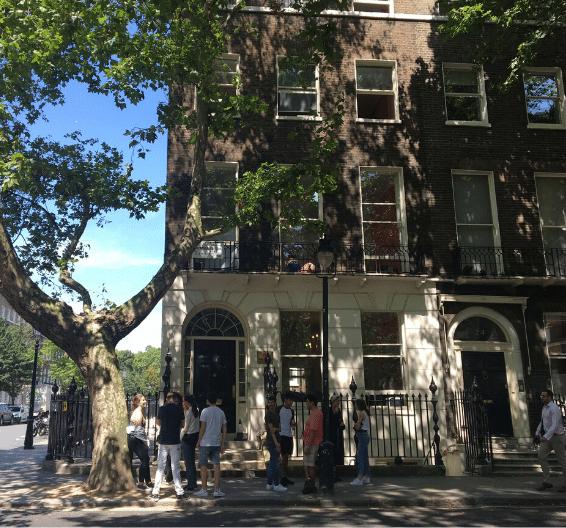 Exterior de la escuela BSC en Londres