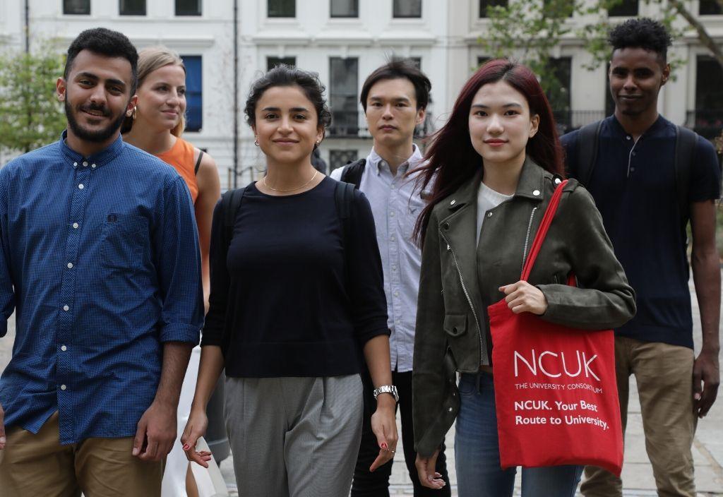 Étudiants du programme Sur le chemin de l'université