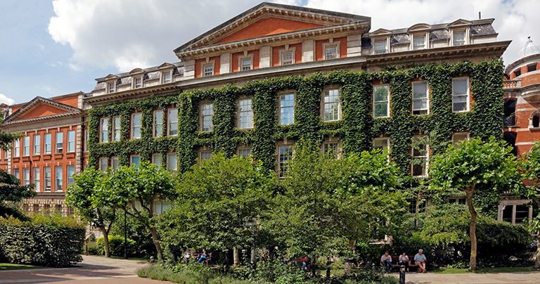 King's College London summer school location