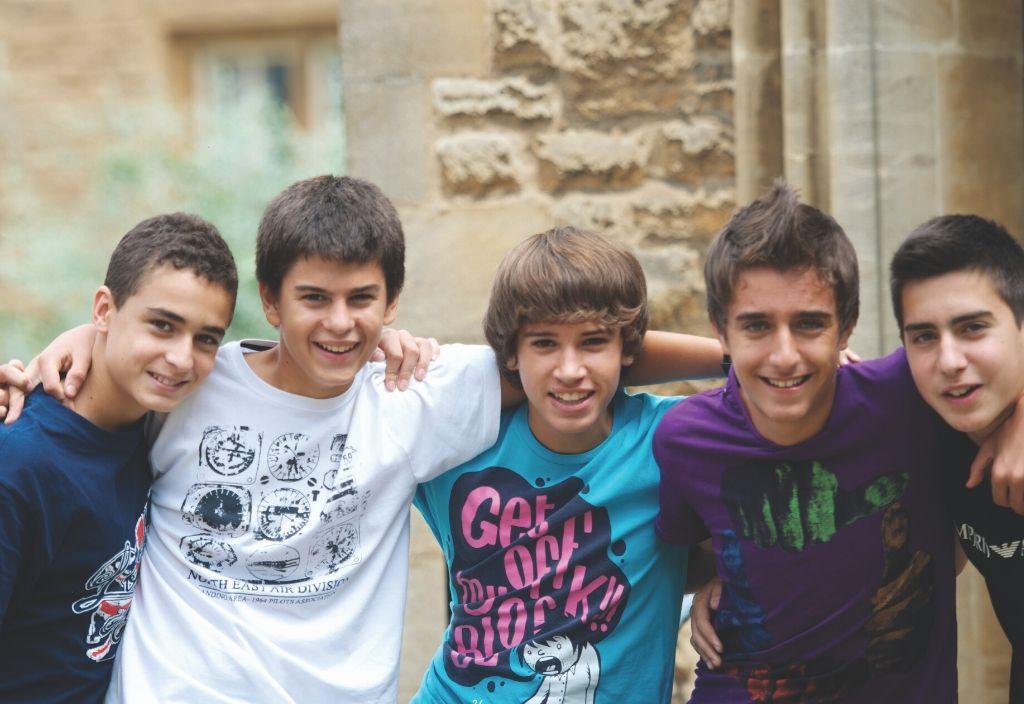 Jovens estudantes