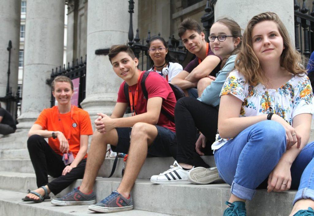 Grupo de estudantes no King's College