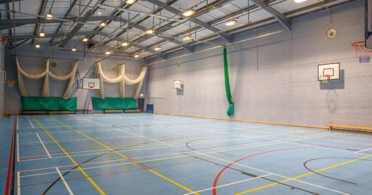 Salão de esportes da Loretto School