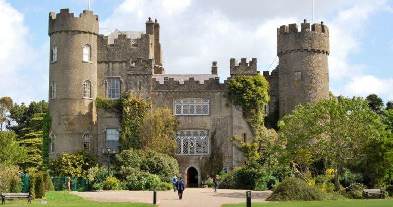 imagen del exterior del castillo de Dublín