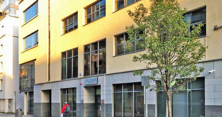 Exterior de la escuela de BSC en Dublín
